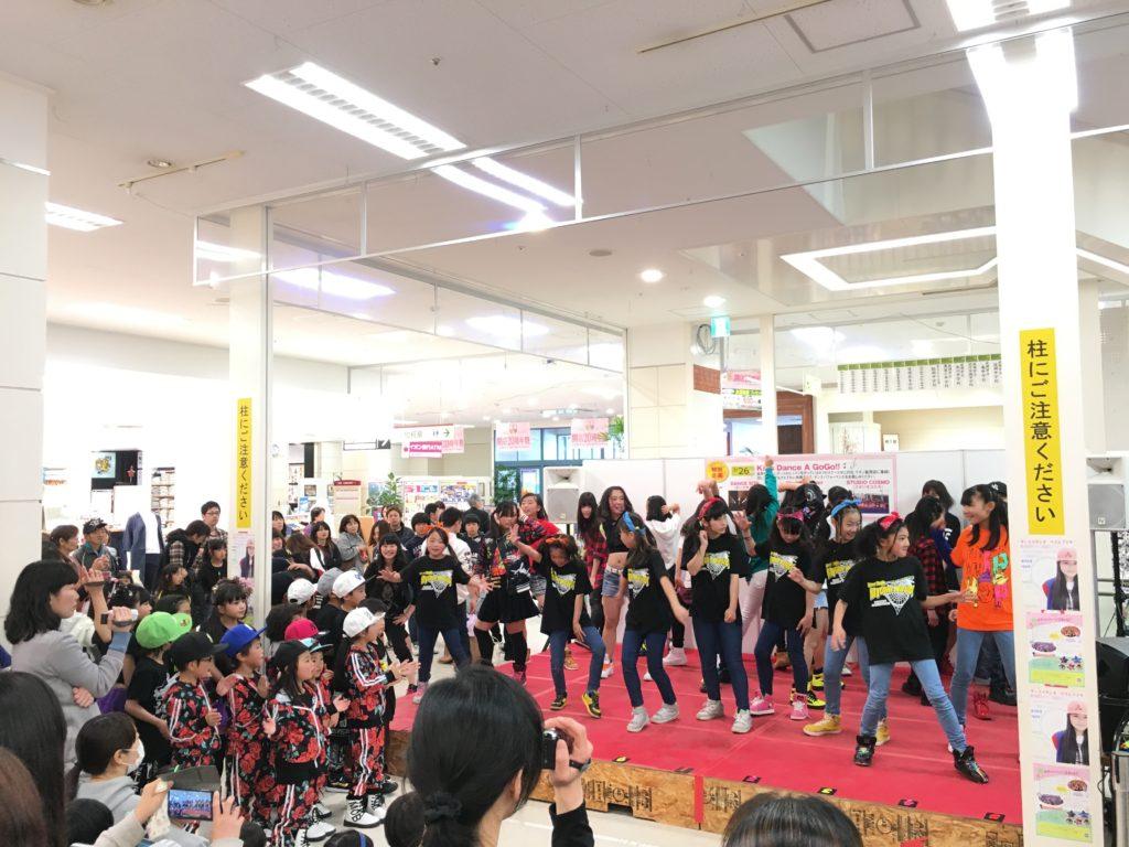 イオン延岡店様 KIDS DANCE A GO GO !!